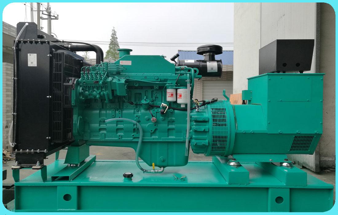舟山客户订购的一台康明斯160千瓦柴油发电机组已按时发货至客户现场
